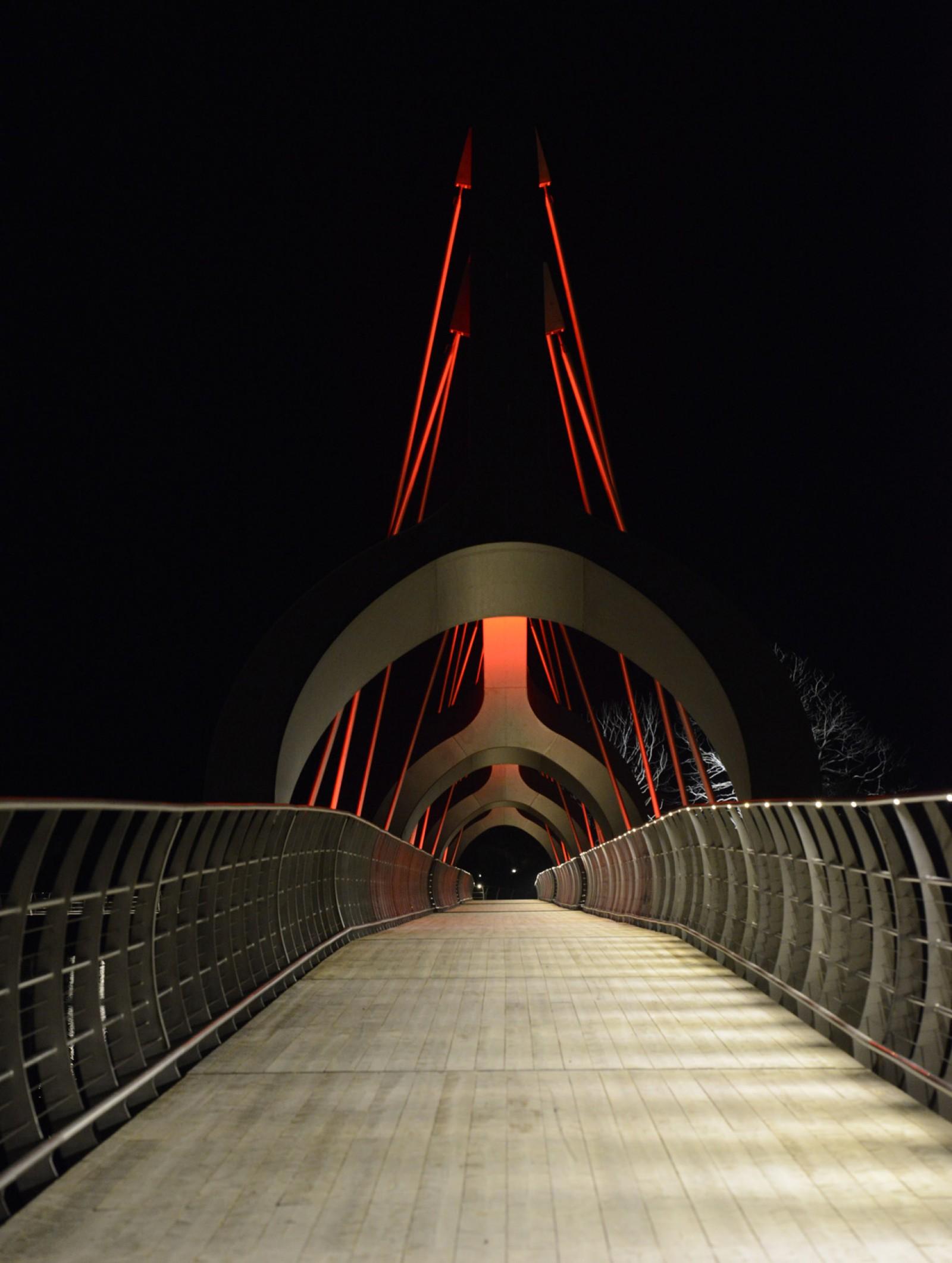 <h1>Ljuspriset 2014</h1><h4>Sölvesborgsbron fick 2:a priset när Ljuspriset delades ut vid årets branschfest Ljusdagen. Grattis ÅF/Ljusarkitektur!</h4>