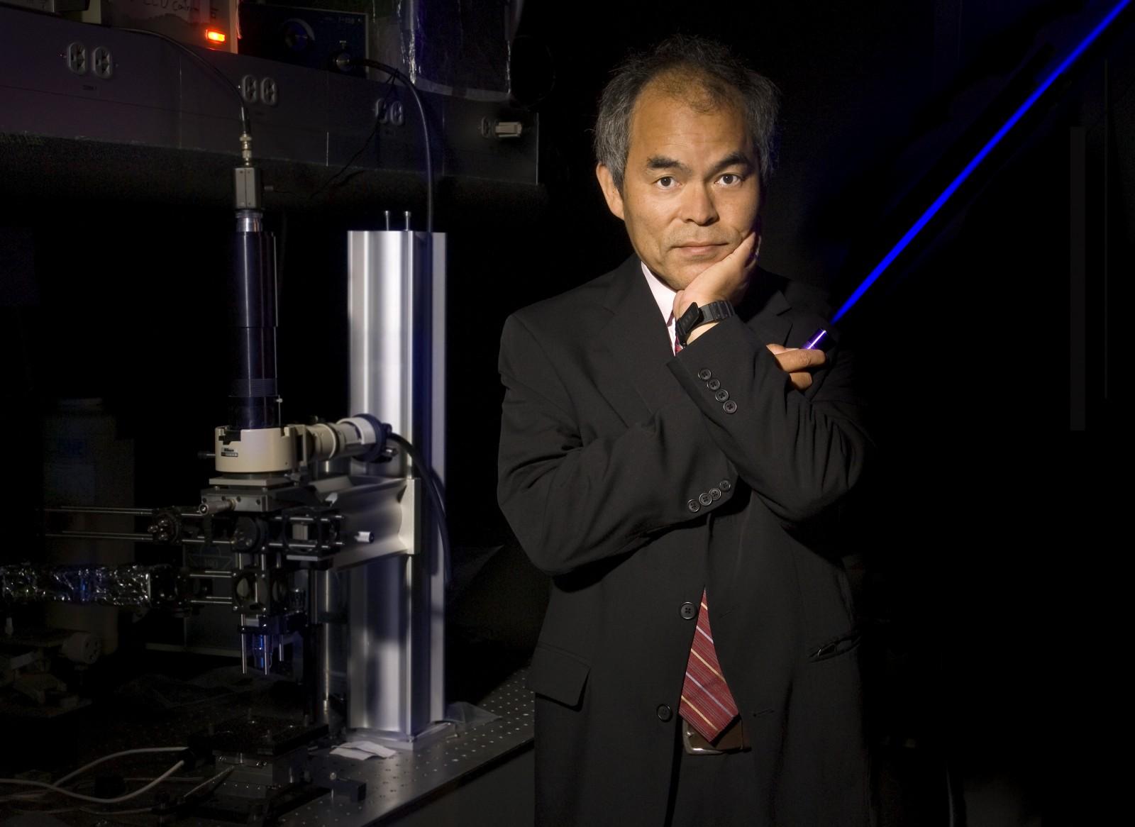 <h1>Nobelpris till grundaren av Soraa</h1><h4>Soraa grundades 2008 av  tre professorer inom elektronikområdet. En av dem, Dr. Shuji Nakamura, har nu belönats med Nobelpriset i fysik för sina insatser.</h4><a href='http://www.stockholmlighting.se/nyheter/nobelpris-till-grundaren-av-soraa'>Läs mer <i class='icon-arrow-right'></i></a>