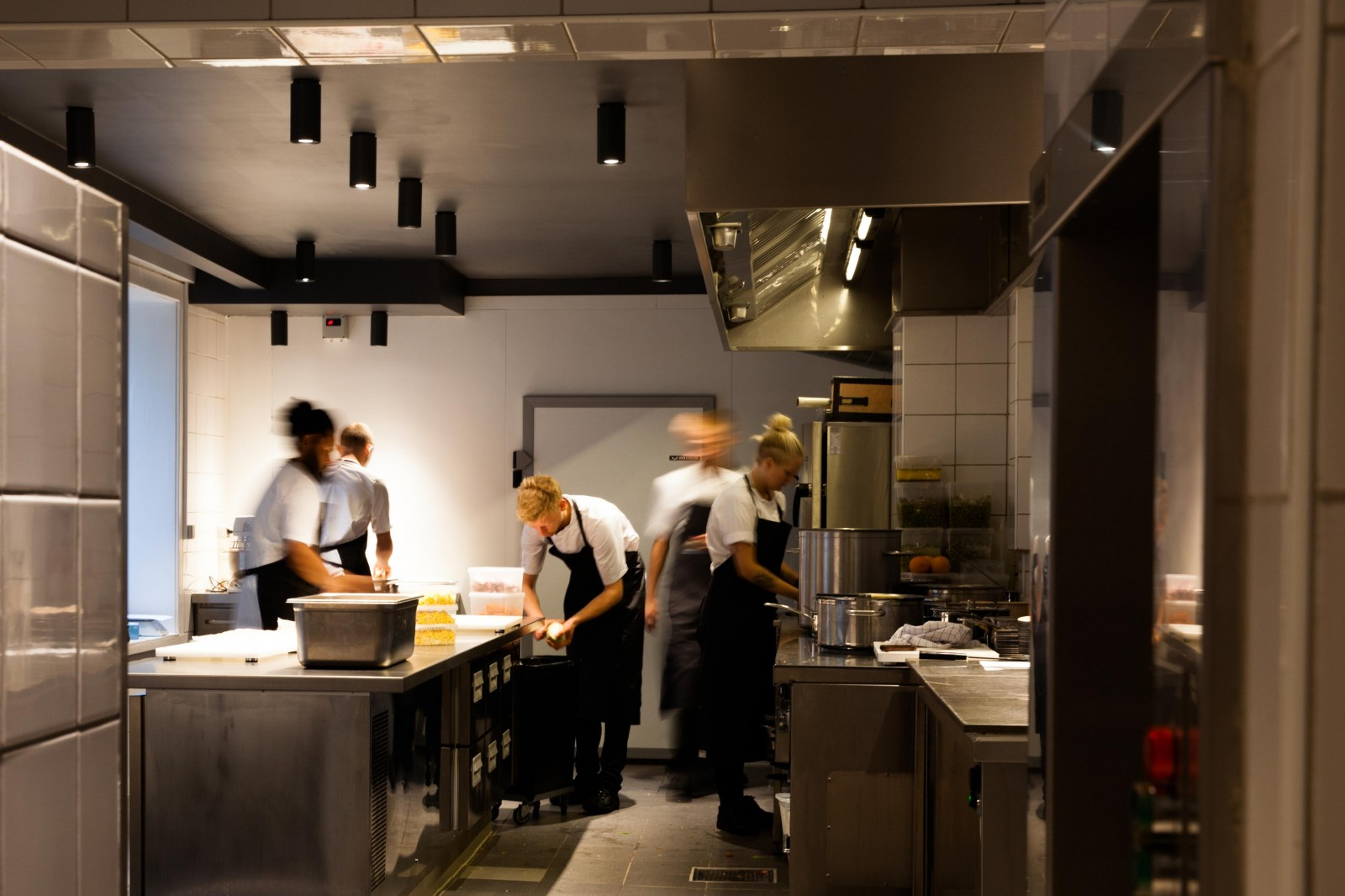 <h1>Restaurant Musling</h1><h4>I restaurant og køkken er lyset valgt med stor omhu. Arbejdslys og stemning er skabt.</h4>